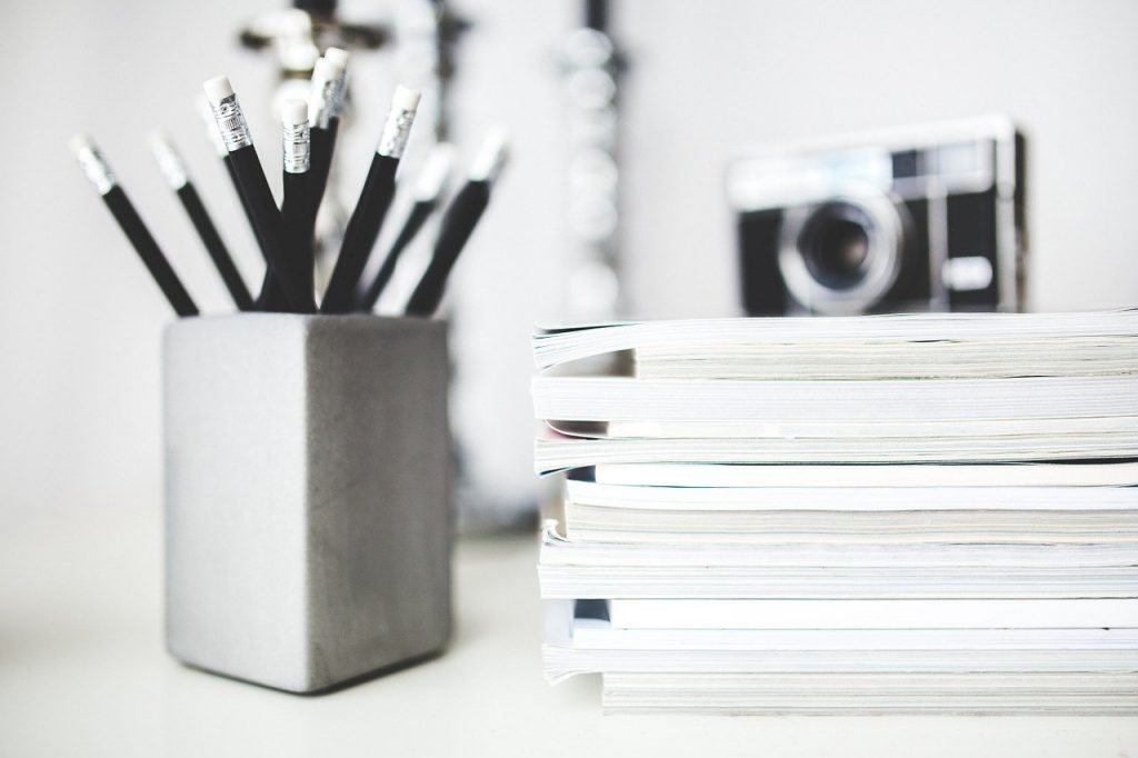 Artykuły blogowe a teksty zapleczowe – czym się różnią?
