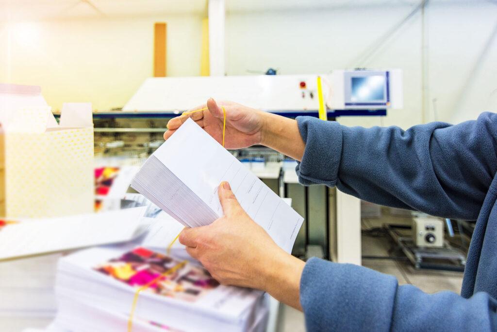 Firmowe koperty z nadrukiem – czy to dobry pomysł?